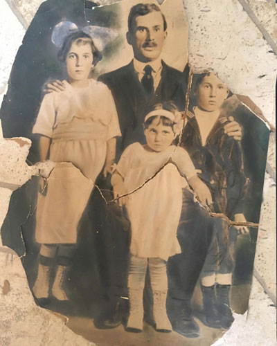 1920's family before